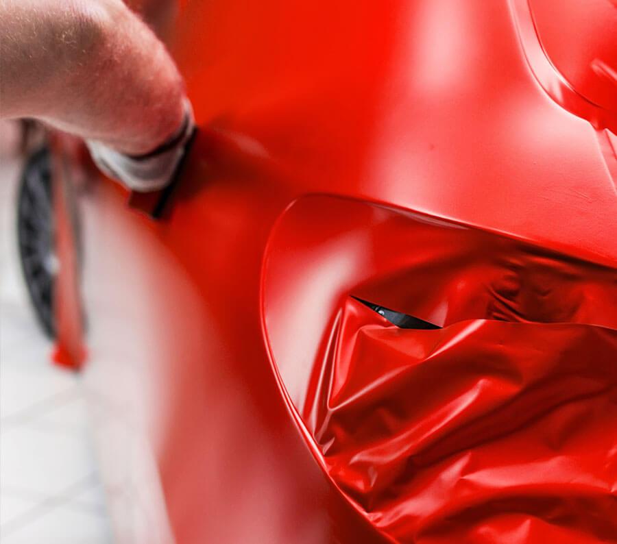 Zmiana koloru auta przy użyciu folii